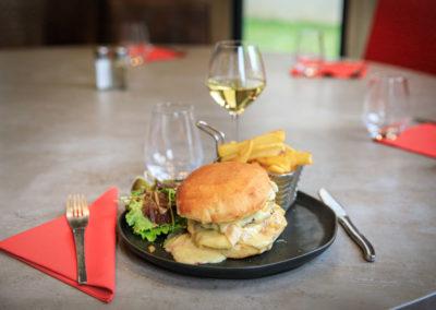 Burger fait maison - Brasserie Les Tuileries
